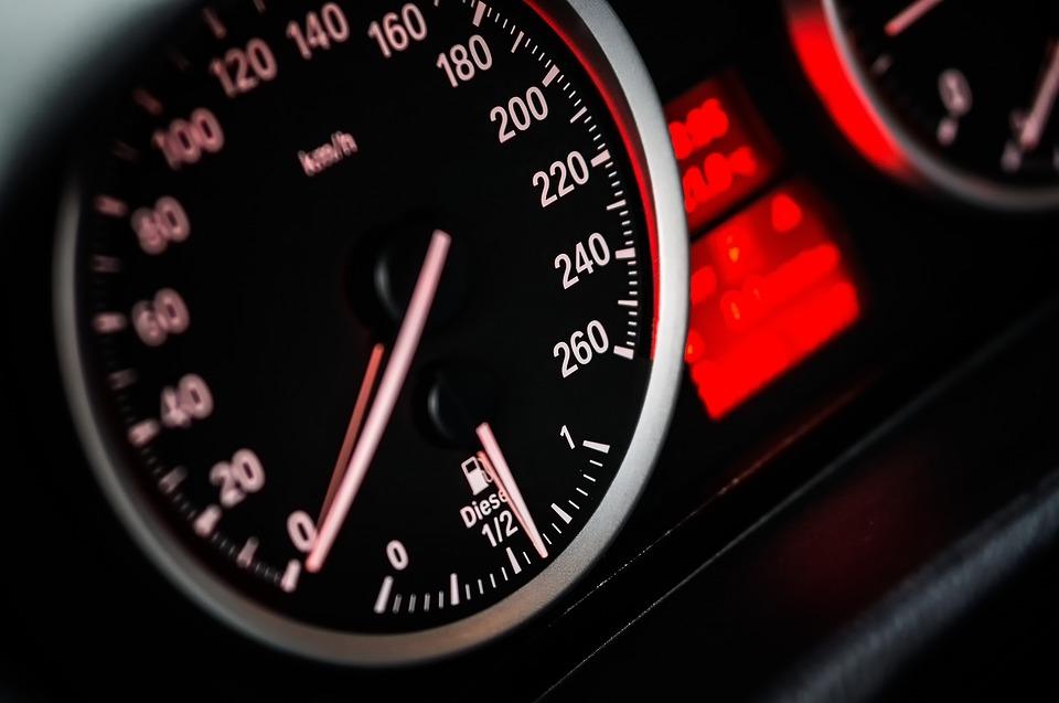 automobilis netraukia Būtinai perskaityk pirmas, pirma kodėl automobilis netraukia