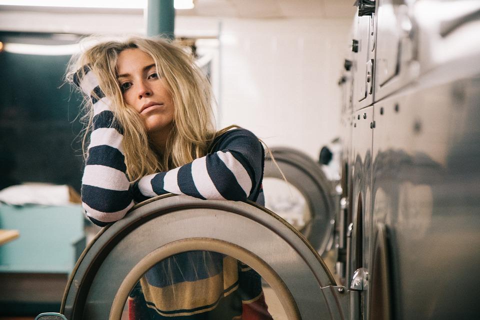 skalbimo mašina nebaigia programos Pasukime galvą kartu, dėl ko skalbimo mašina nebaigia programos