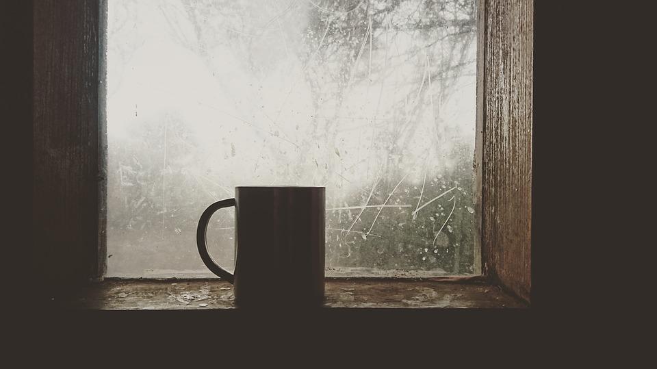 plastikiniai langai praleidžia šaltį Dėl kokių priežasčių plastikiniai langai praleidžia šaltį