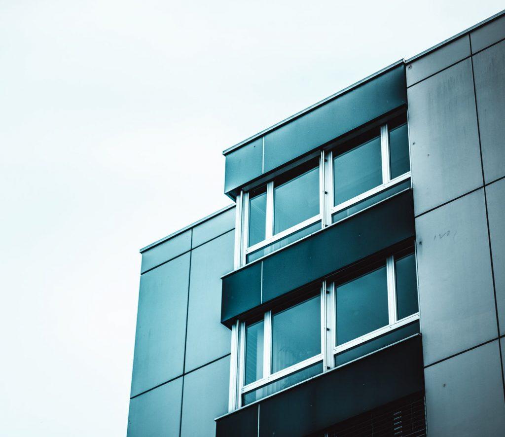 plastikinis langas neatsidaro Pasukime galvą kartu, dėl ko plastikinis langas neatsidaro