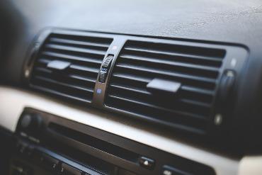 automobilio kondicionierius silpnai šaldo Atsakyta į klausimą kodėl  automobilio kondicionierius silpnai šaldo